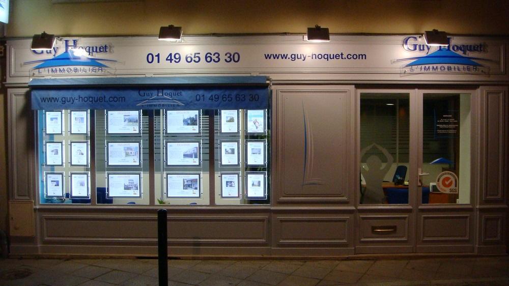 porte-affiche-led-agence immobilier-paris