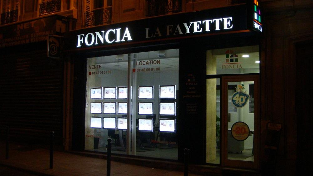 porte-affiche-led-agence immobilier-paris1